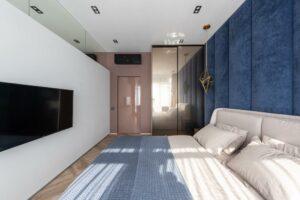 Big bed in bedroom